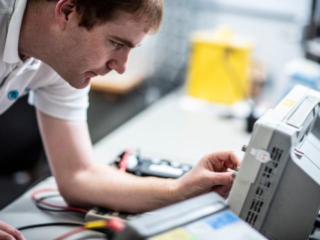 im体育APP在英国温伯恩投资电气安全测试