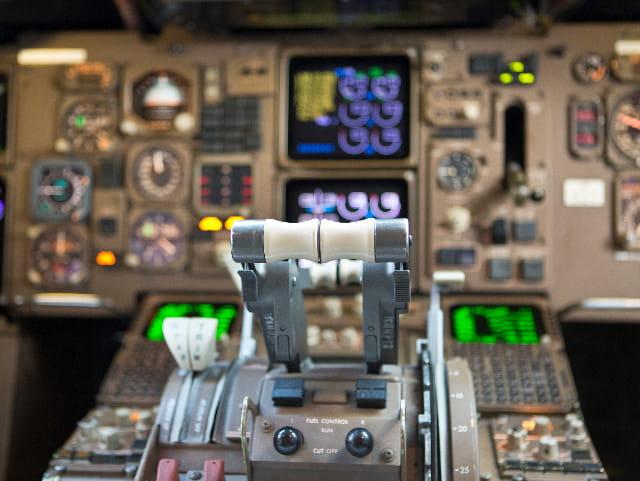 航空电子设备