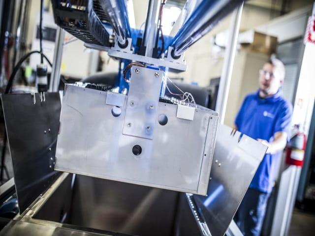 混合动力 & 电动车电池测试640 x 480 2018年6月